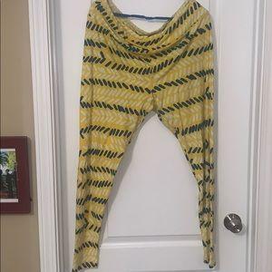 Tall and curvy Lularoe leggings